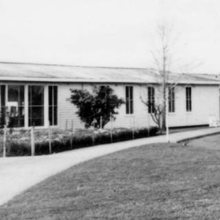An image I found of the Dandenong District Hospital maternity ward entrance where Jim was born in June, 1968.