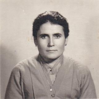 Mum's identification photo.