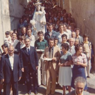 It's 1998 and Dad took this photo of the Madonna Delle Grazie procession which still happens in Mum's hometown 40yrs after she walked the procession.